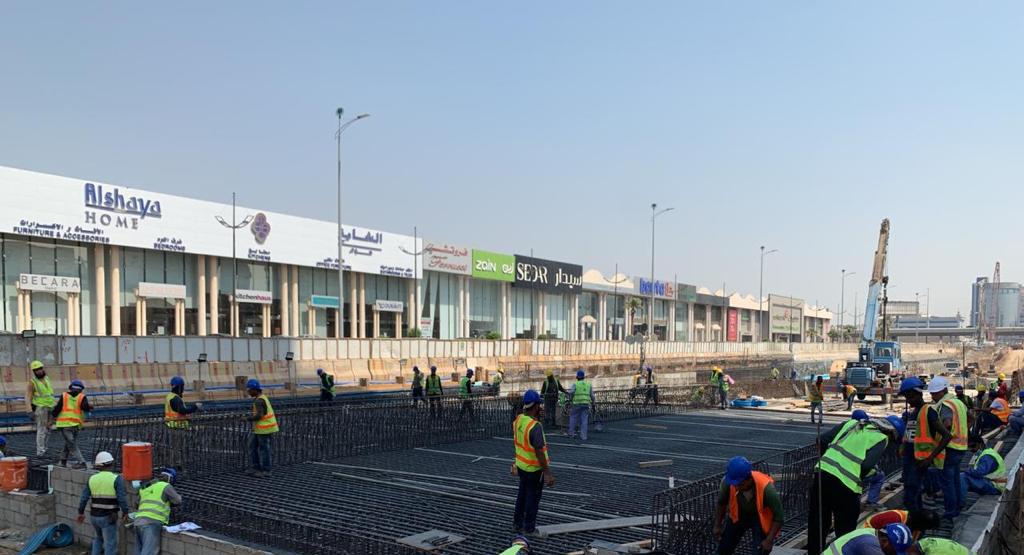 تنفيذ مشروع نفق تقاطع طريق المدينة مع شارع الأمير محمد بن عبدالعزيز (التحلية سابقاً)